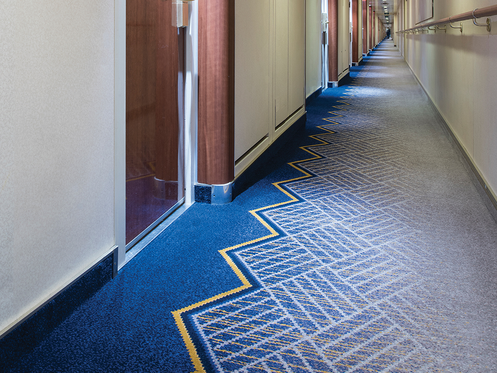 Queen Mary 2 - Cabin Corridor