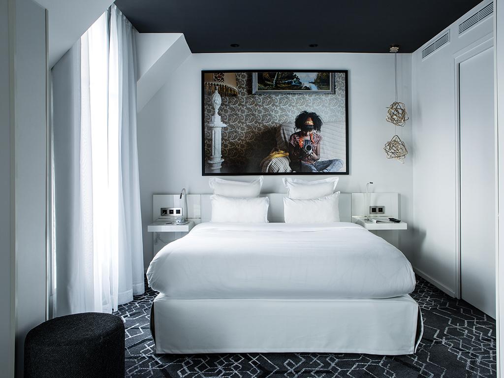 Le General Hotel, Paris, bedroom