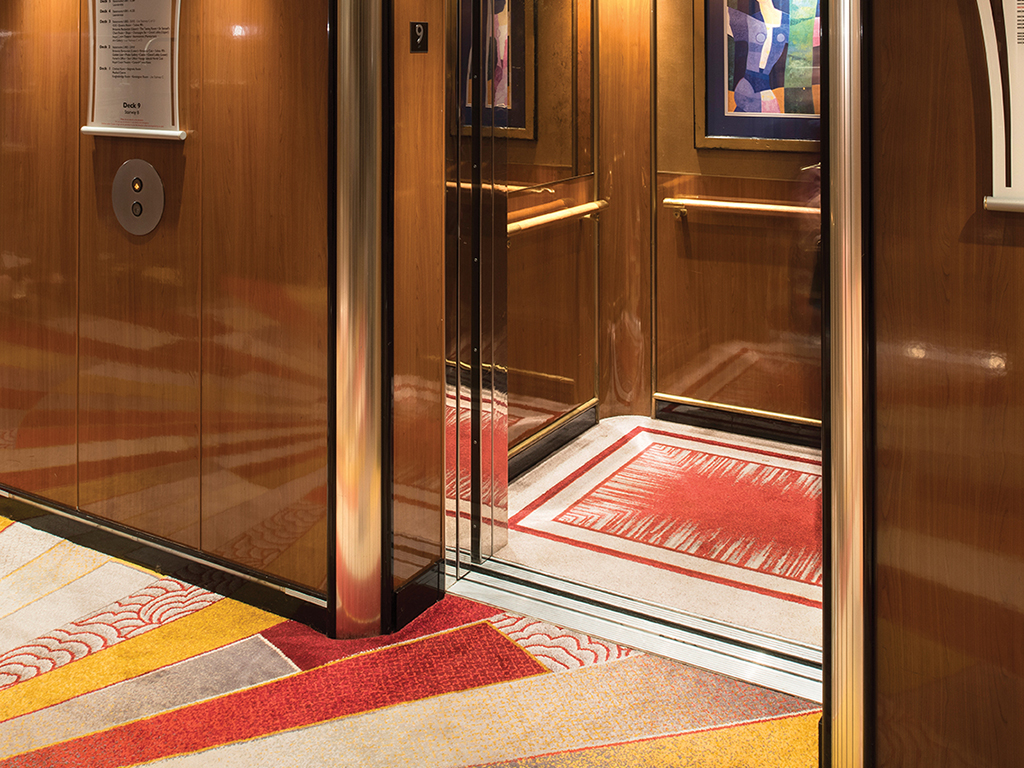 Queen Mary 2 - Lift lobby, Deck 9