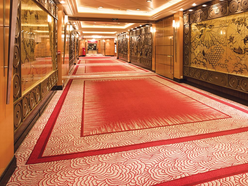 Queen Mary 2 - Walkway, Deck 2